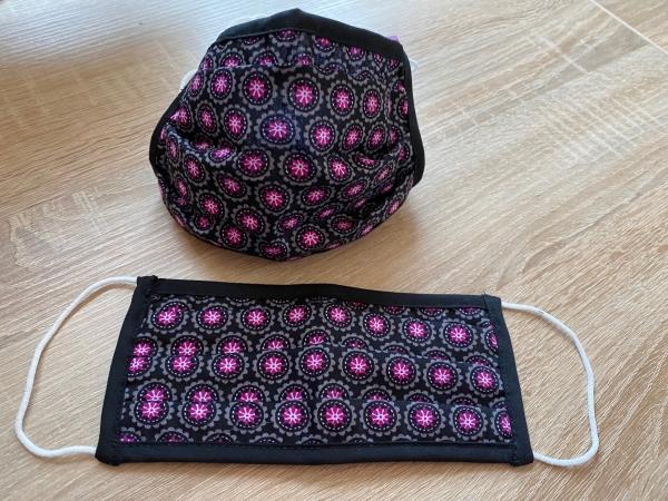 DIRNDL Stoffmaske Mund- und Nasenbehelfsmaske Trachtendesign retro schwarz pink